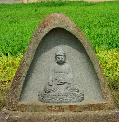 宮下の石仏群 富田町2312_004.jpg