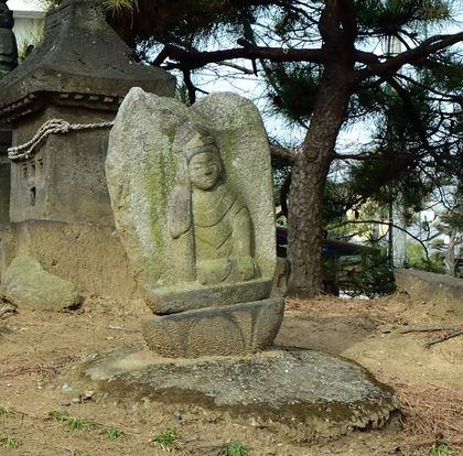 熊野神社 思惟座像.jpg