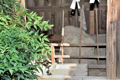 近戸神社 絹笠神社 御神体9.jpg